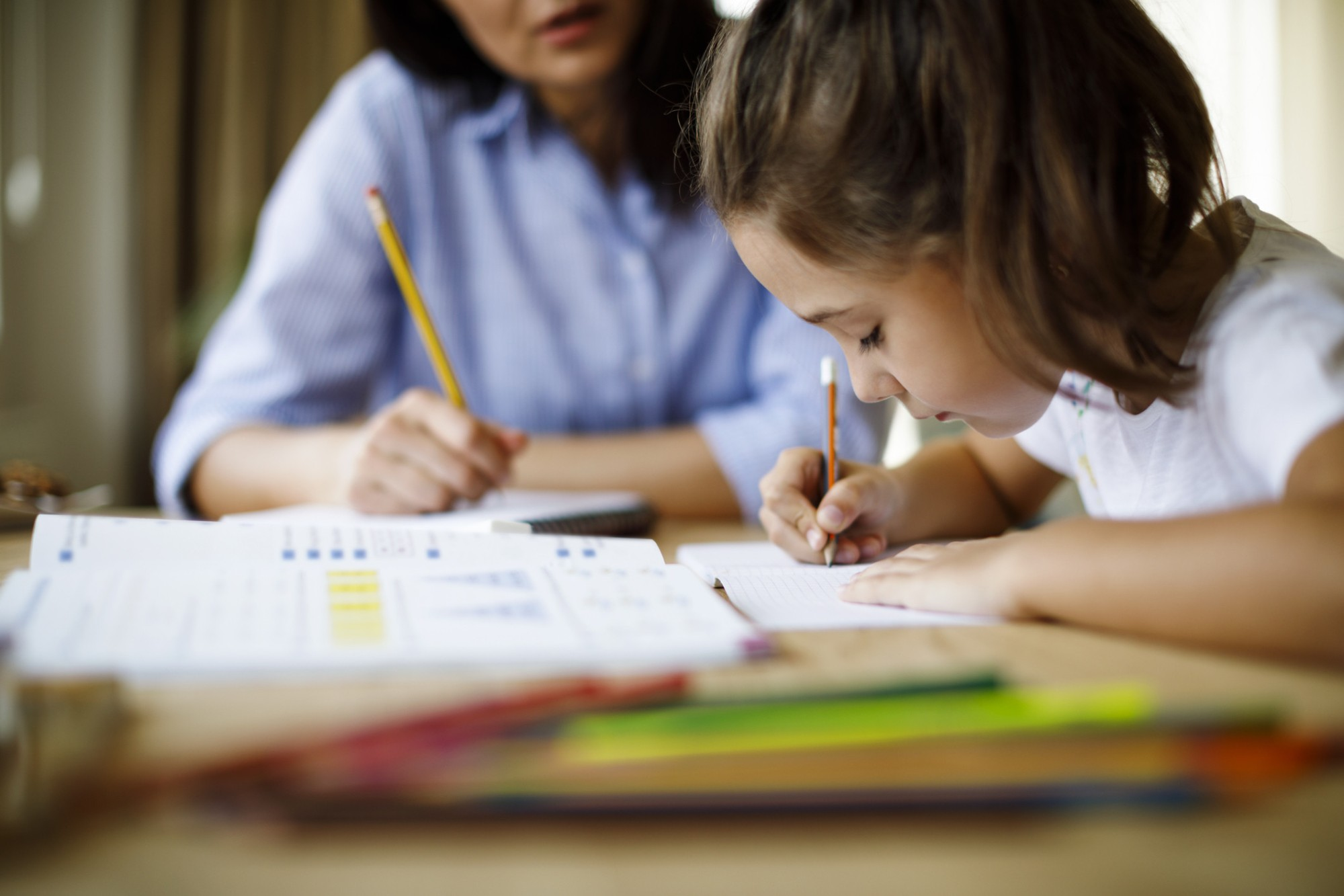 como ajudar o filho na escola